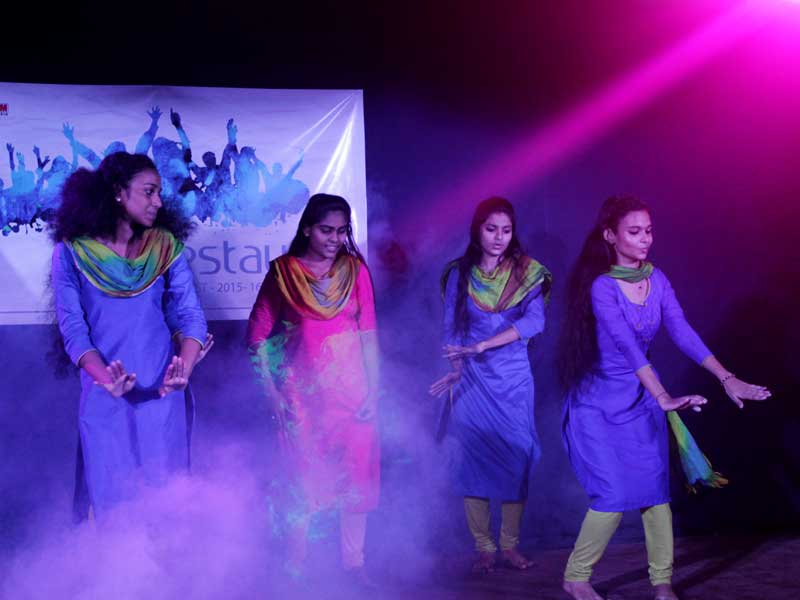 college-day-celebration-dance-programme-4-vismayam-interior-designing-and-multimedia-college